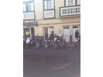 Alquilo local comercial en calle La Paz