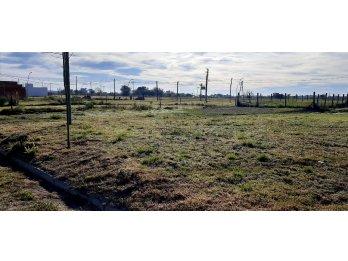 Se venden últimos terrenos en entrada de Oro Verde!!