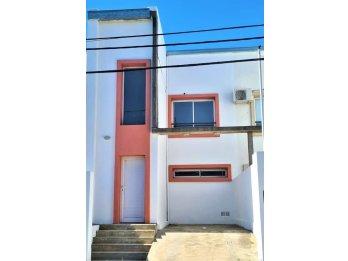 DUPLEX de 2 dormitorios  - barrio Los Lapacho (Paracao)